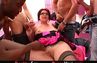 French mere de famille dans un gang bang ! in top 질 videos