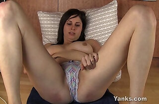 Busty Brunette Luna Masturbating
