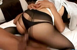 Hot Secretary Fucked and Creampie On The Bed In The Hotel