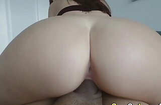 Amateur whore sucks