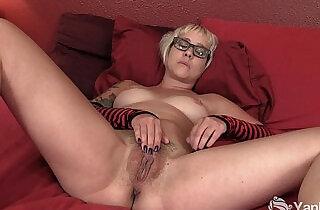 Tattooed Amateur Masturbating Her Slit