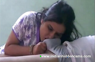 Indian Bhabhi Sucking white Cock Cumshot