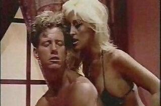 anal male Jill Kelly strapon fucks a guy with a dildo